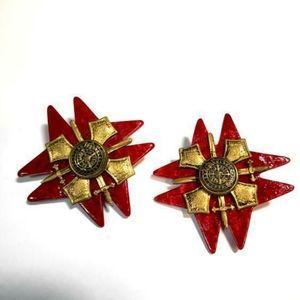 Highland Scotland crossed sword clip on earrings.